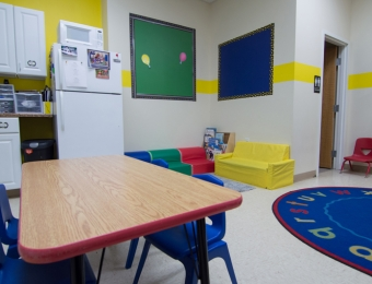 Room-pics-yellow-2